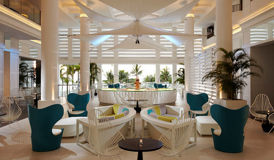 Mövenpick Hotel Mactan Island Cebu: hotel lobby
