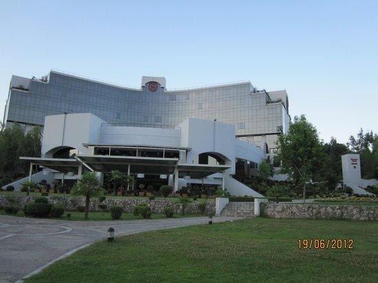 Sheraton Tirana Hotel: The hotel at dawn