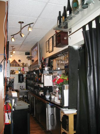 Mitch Millers: Bar area