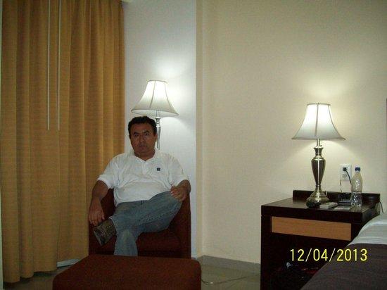 Holiday Inn Express Paraiso Dos Bocas: Disponiendome a descansar