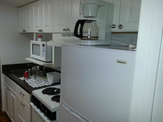 Oak Square at Gatlinburg: Kitchenette