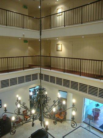 سنترال كوزمو: lobby