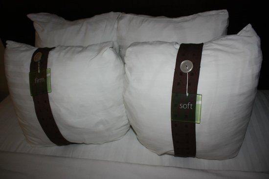 Holiday Inn Cherry Hill: Loved the pillows!