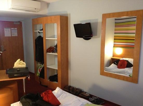 B&B Hotel Rhynern-Nord: La chambre fonctionnelle