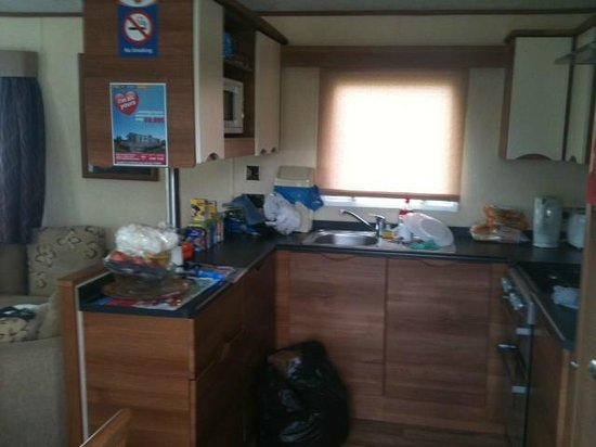 Bunn Leisure Holiday Park: kitchen
