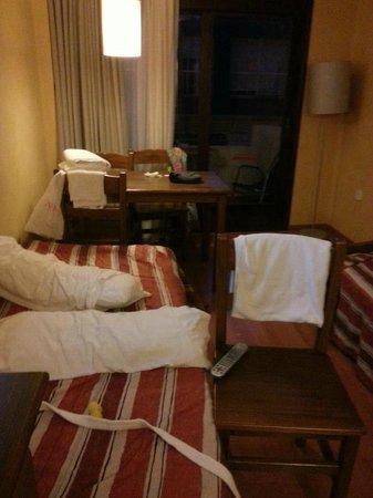 Apartamentos Parot Quality: living/bedroom