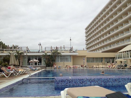 Hotel Riu Oliva Beach Resort: la piscina