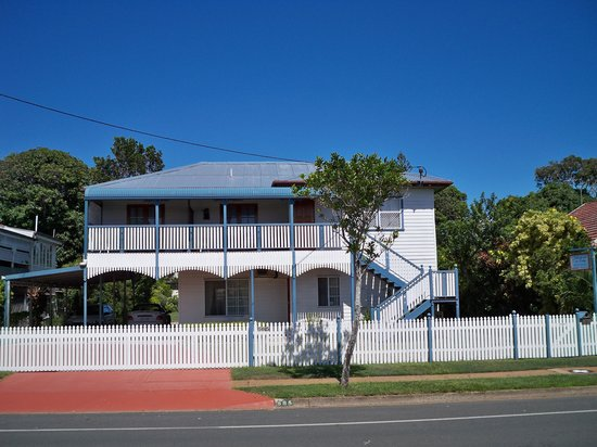 Johnstone's on Oxley: Elevation from Oxley Avenue, Scarborough