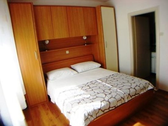 Blue Tree Rooms: Room 3