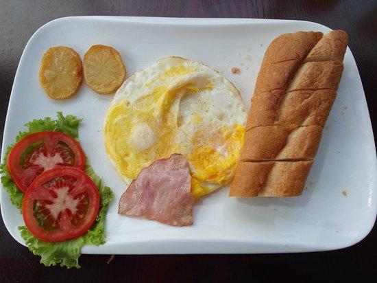 Signature Boutique Hotel: Set of Breakfast (American Breakfast)