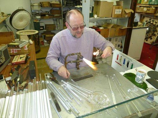 Glassblobbery: Watching a craftsman at work