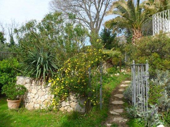 La Romarine: The Garden