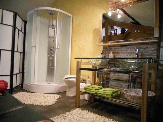 Le Val du Roy : Salle de bains de la chambre Marie Stuart