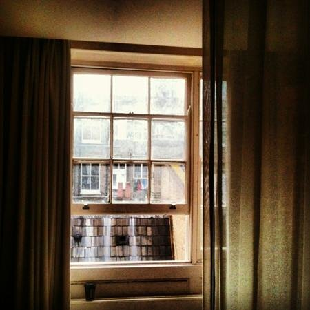 Nottingham Place Hotel London : window and view