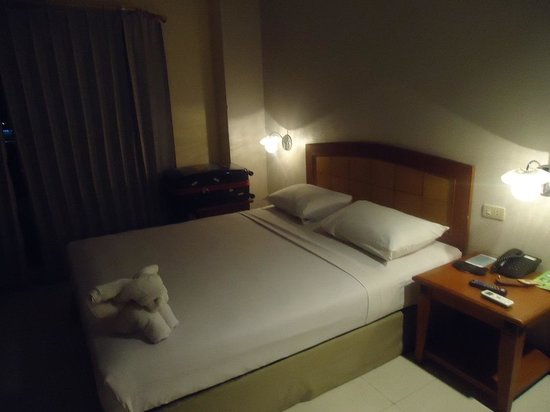 Celebes Hotel: 5th floor room