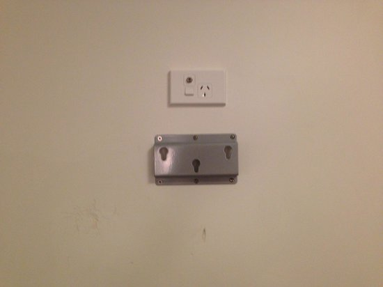 Mercure Wellington Central City Hotel and Apartments: Missing TV in room