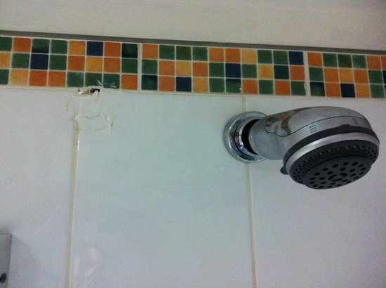 Bolton Whites Hotel: Shower has been moved, not filled brilliantly, looks shabby