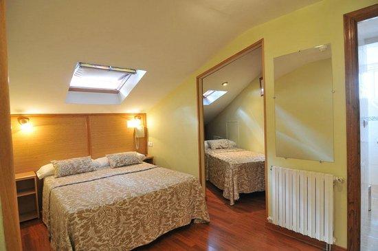 Hostal Anosa Casa: Habitación