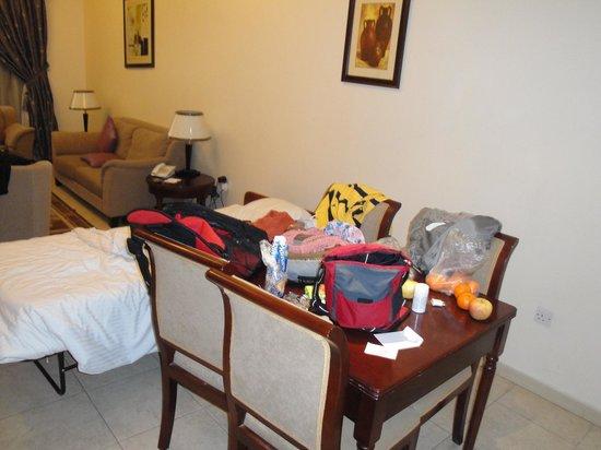 Baity Hotel Apartments: Comedor