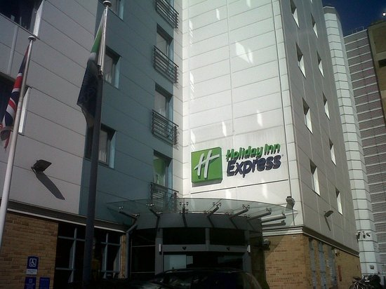 Holiday Inn Express London Croydon: Hotel exterior