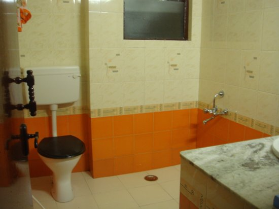 Hotel Lakeview: Bathroom