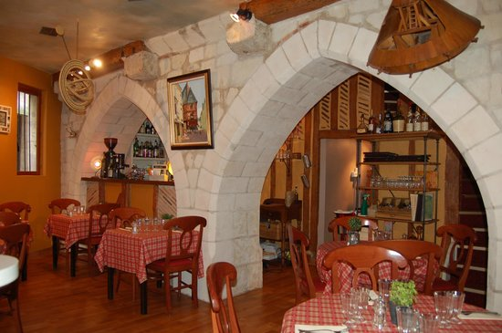 Leonard de Vinci: salle de restaurant au rez de chausser