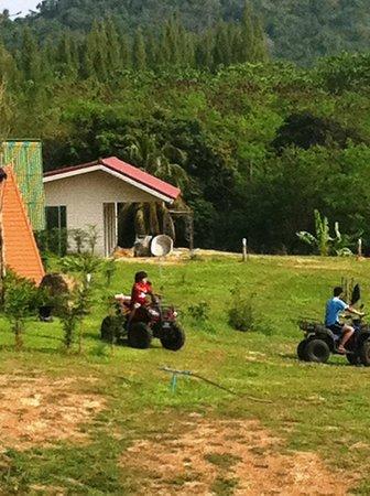 Kum Nangpaya: Chidren play
