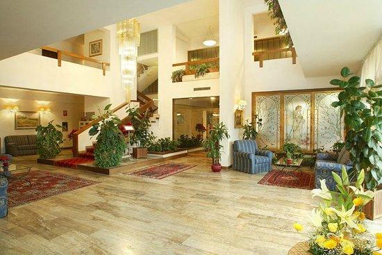 Hotel Miro: Hall