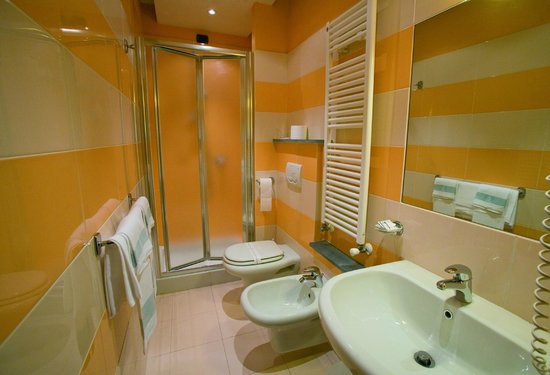 Hotel Bernardino: bagno