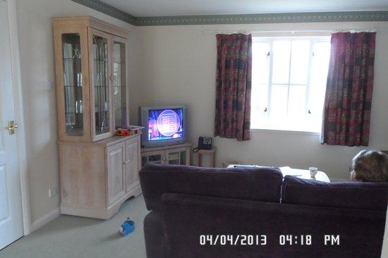 Moness Resort: living room
