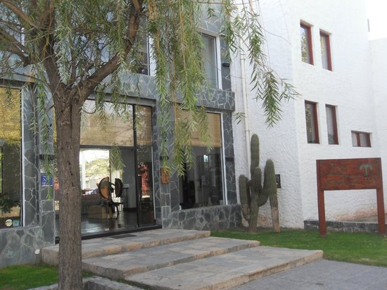 Hotel Los Sauces : walking distance to the square