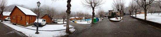 Bonansa, Spain: Panorámica bungalows  invierno 2013