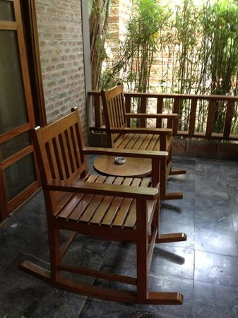 Pilgrimage Village: Our porch in the honeymoon suite