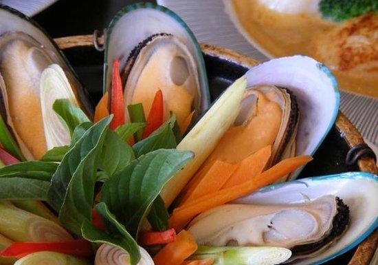 Thai Basil: Mussels