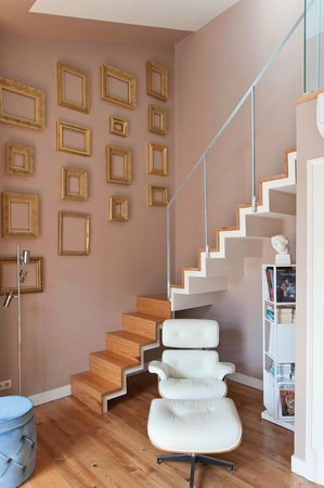 Casa Amora Guesthouse: Amadeo Duplex Stairs