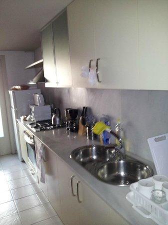 MH Apartments Ramblas : Kitchen