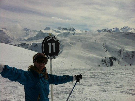 Ecole de ski 360 International : At the beginning of my first black run (Samoens) -- yippee !!