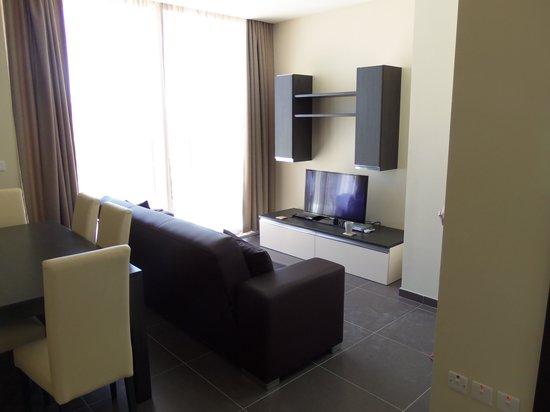 Depiro Point : Living Room