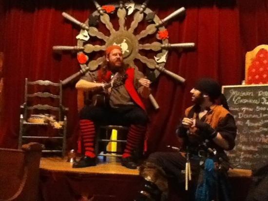 Le Cabaret du Roy: pirate's signing