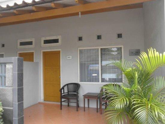 Cakra Kusuma Hotel: the terrace