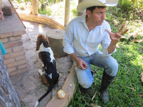 Casa Castejon at Finca el Cisne : Explicacion sobre el cacao