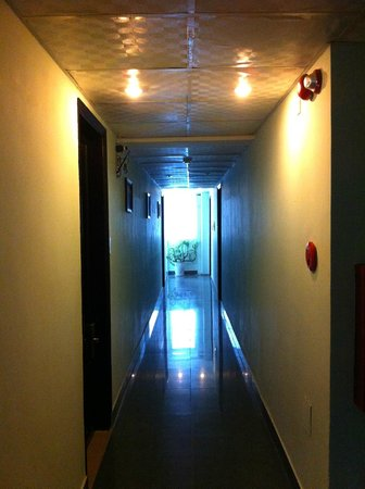 Riverview Hotel: Hallway