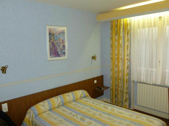 Hotel le Pacifique: le lit
