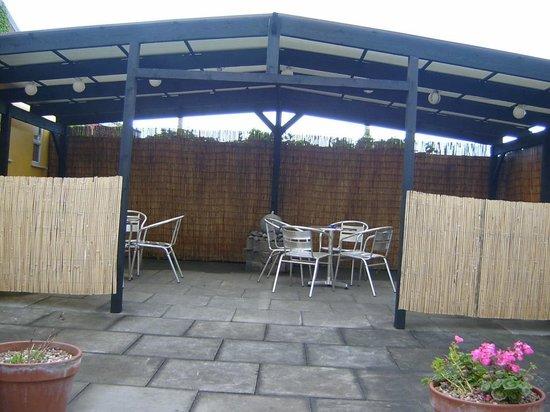 Med Bar Restaurant: Outside Eating Area (Weather Permitting)