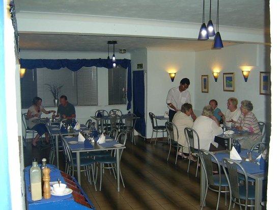 Med Bar Restaurant: Dining Area
