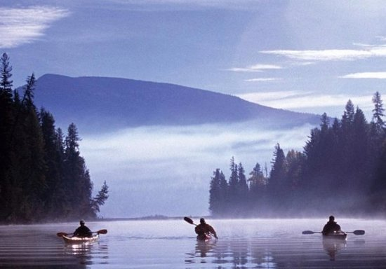 ليفاجن جيت إيه ريفيوج: Rivière Rouge en kayak!