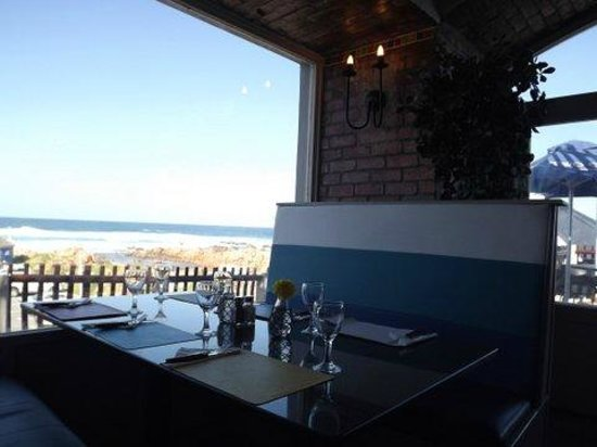 MOSSEL BAY Ponto Grille & Carvery: Our best seat - peace, a bit of privacy and serenity - we're blessed with a great view!