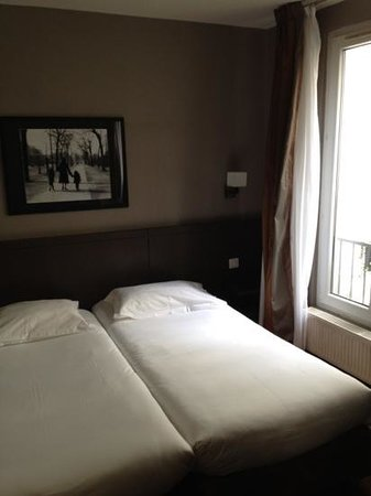 Hotel des 3 Poussins: Hotel Room - Double Twin