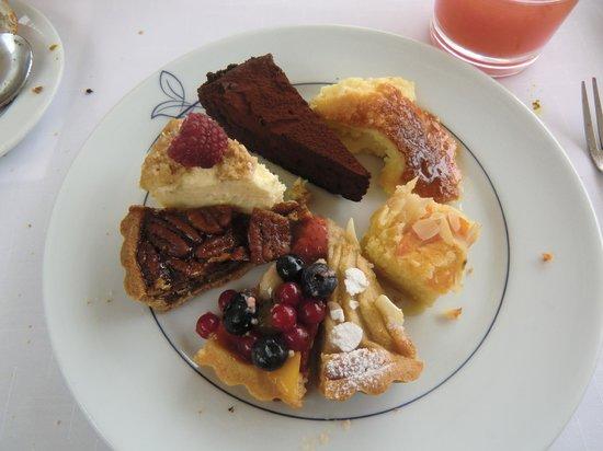 The Grill (Grand Hyatt Hong Kong) : good cakes