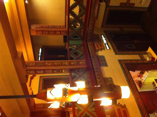 Landmark's Mayan Theatre: At the lobby